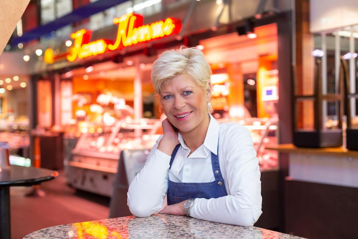 Karen Klemme in Ihrer Fleischerei in der Markthalle